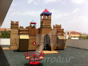 wood-castle-shaped-completed-project215587.jpg